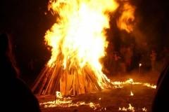 012-La-pira-in-fiamme_JPG_jpg