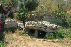 06-un-dolmen