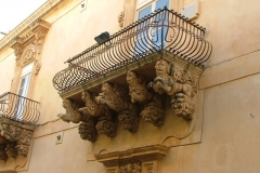 07-Balcone-a-noto