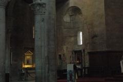 11-8-Viterbo-Cattedrale-interno-1