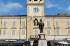 010-La-Città-Il-monumento-a-Garibaldi