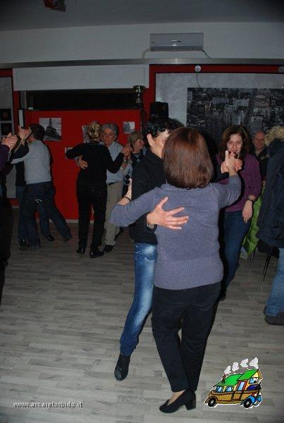 053 Cena con danze